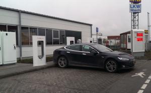 Tesla opladen bij super charger